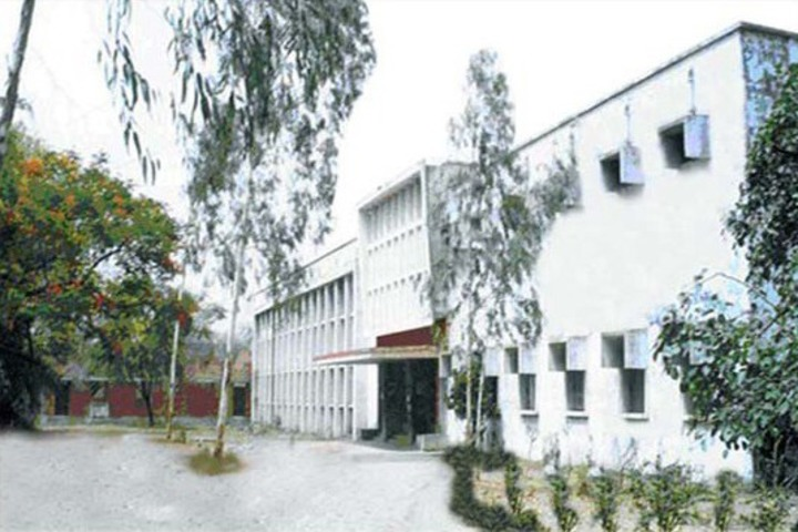https://cache.careers360.mobi/media/colleges/social-media/media-gallery/22617/2019/1/1/Campus View of Government Girls Post Graduate College Rewa_Campus-View.jpg