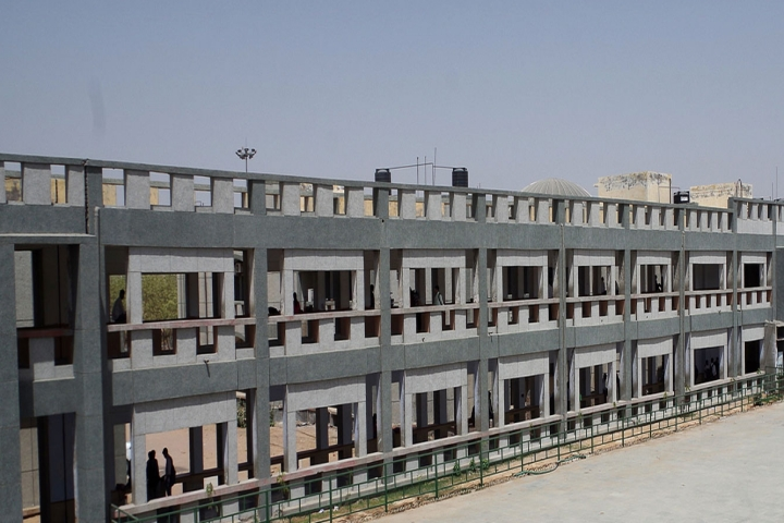 https://cache.careers360.mobi/media/colleges/social-media/media-gallery/2266/2018/11/13/Campus-View of Government Engineering College, Bikaner_Campus-View.jpg