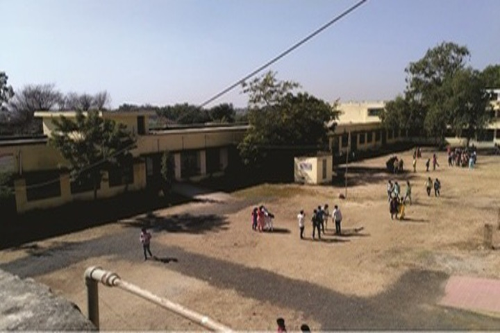 https://cache.careers360.mobi/media/colleges/social-media/media-gallery/22666/2018/11/26/Campus view of Shri Govind Guru Government College Banswara_Campus-view.jpg