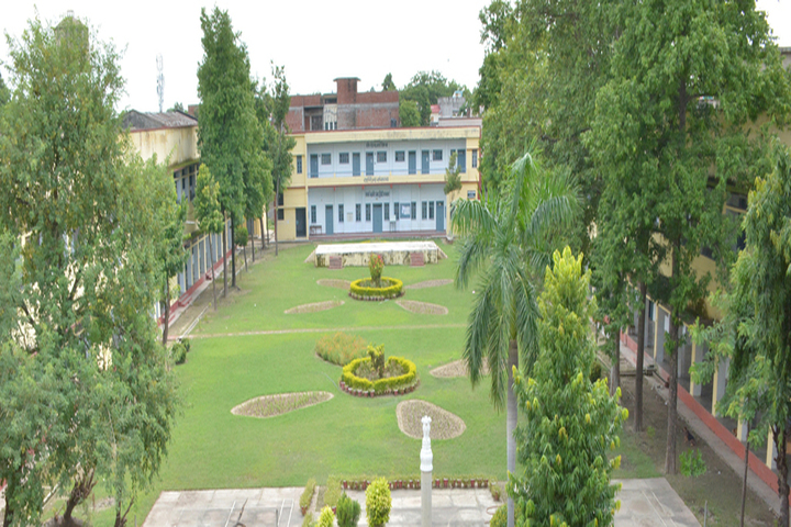 https://cache.careers360.mobi/media/colleges/social-media/media-gallery/22677/2018/11/27/Campus view of Feroze Gandhi College Raebareli_Campus-view.jpg