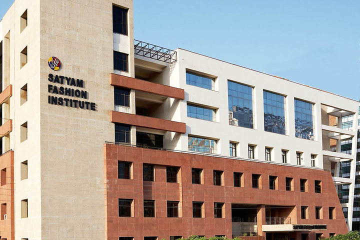 https://cache.careers360.mobi/media/colleges/social-media/media-gallery/22680/2018/12/25/Campus view of Satyam Fashion Institute Noida_Campus-view.jpg