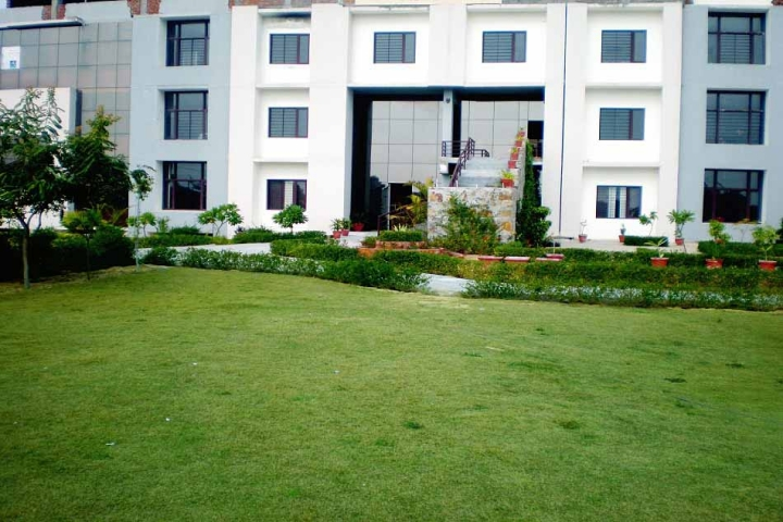 https://cache.careers360.mobi/media/colleges/social-media/media-gallery/2275/2018/10/3/Campus View of Advait Vedanta Institute of Technology Jaipur_Campus View.jpg