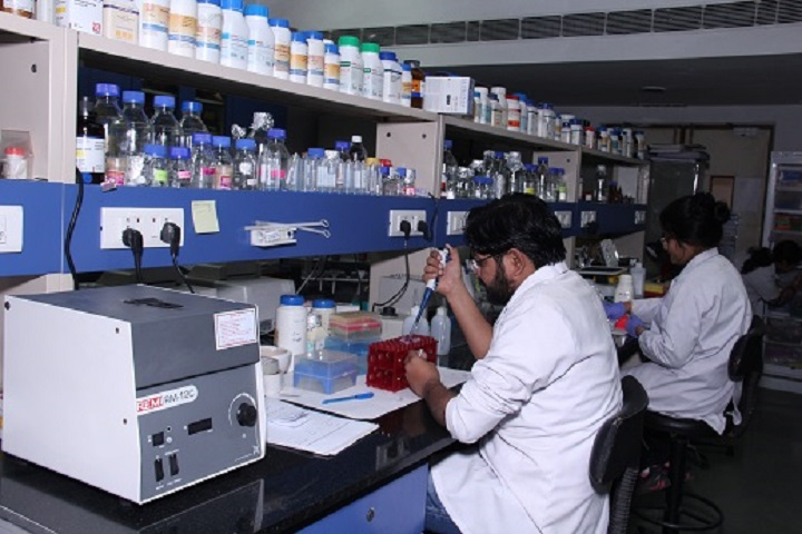 https://cache.careers360.mobi/media/colleges/social-media/media-gallery/2276/2019/1/3/Lab of University School of Bio-Technology Delhi_Laboratory.jpg