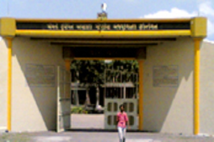 https://cache.careers360.mobi/media/colleges/social-media/media-gallery/22881/2020/3/11/Campus view of Saurashtra Gnanpith Arts and Commerce College Baravala_campus-View.jpg