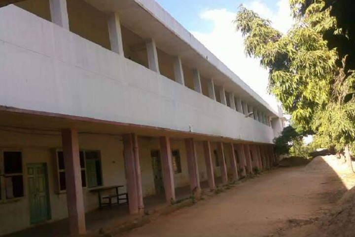 https://cache.careers360.mobi/media/colleges/social-media/media-gallery/22957/2020/3/12/Campus View Side of IDSG Government College Chikkamagaluru_Campus-View.jpg