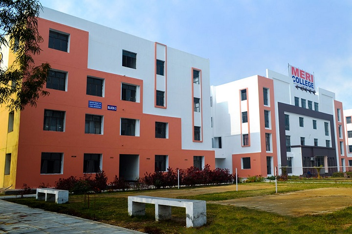 https://cache.careers360.mobi/media/colleges/social-media/media-gallery/2298/2018/12/8/Campus View full of MERI College of Engineering and Technology Bahadurgarh_Campus-View.jpg