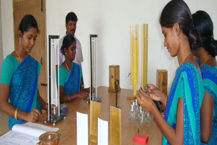 https://cache.careers360.mobi/media/colleges/social-media/media-gallery/23037/2018/10/1/Physical Science Laboratory of Mariamman College of Education Tiruchirappalli_Laboratory.jpg
