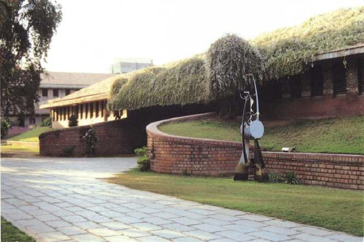 https://cache.careers360.mobi/media/colleges/social-media/media-gallery/2306/2018/10/16/College Building View of Arvindbhai Patel Institute of Environmental Design Anand_Campus-View.jpg