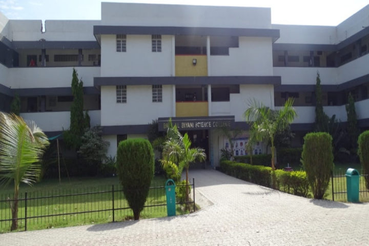 https://cache.careers360.mobi/media/colleges/social-media/media-gallery/23150/2020/5/15/Campus View of Brijlal Biyani Science College Amravati_Campus-View.jpg