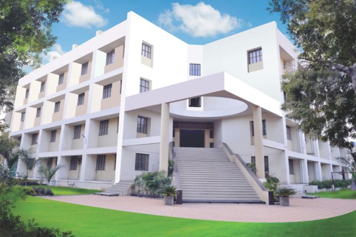 https://cache.careers360.mobi/media/colleges/social-media/media-gallery/23160/2018/12/28/Campus view of Dhanaji Nana Chaudhari Vidya Prabodhinis Shirish Madhukarrao Chaudhari College Jalgaon_Campus-view.png