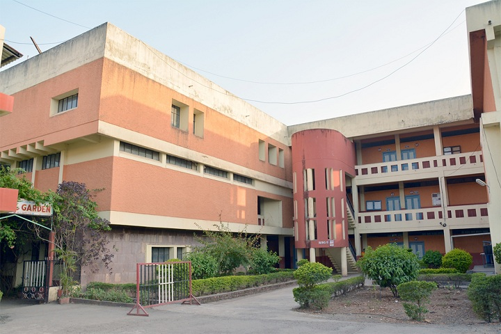 https://cache.careers360.mobi/media/colleges/social-media/media-gallery/23201/2018/12/20/Campus View of Janata Shikshan Sansthas Kisan Veer Mahavidyalaya Wai_Campus-View.jpg