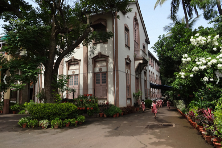 https://cache.careers360.mobi/media/colleges/social-media/media-gallery/23327/2018/9/28/Campus View of St Teresas Institute of Education Mumbai_Campus-view.png