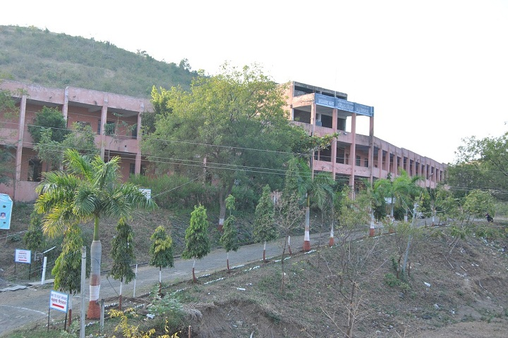 https://cache.careers360.mobi/media/colleges/social-media/media-gallery/23355/2020/3/11/Campus View of Yashodeep Shikshan Sansthas Nagnath Arts Commerce and Science College Hingoli_Campus-View_1.jpg