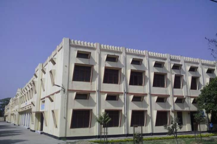 https://cache.careers360.mobi/media/colleges/social-media/media-gallery/23365/2018/12/21/College Building View of Janta College Bakewar_Campus-View.jpg