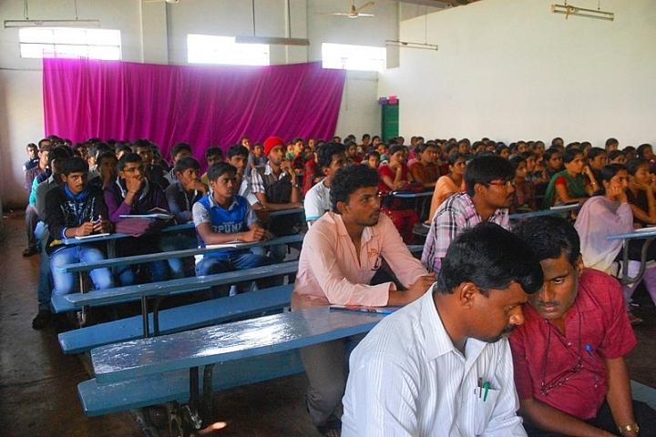 https://cache.careers360.mobi/media/colleges/social-media/media-gallery/23394/2018/2/2/The-Rural-College-Kanakapura4.jpeg
