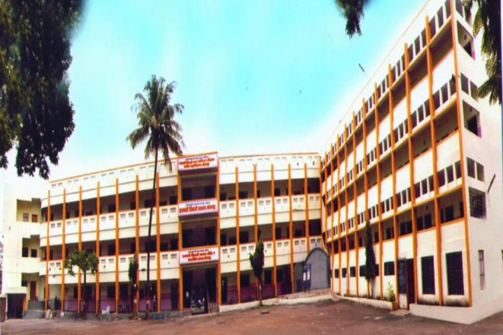 https://cache.careers360.mobi/media/colleges/social-media/media-gallery/23434/2018/11/15/Campus View of Maratha Samaj Seva Mandals Chhatrapati Shivaji Night College of Arts and Commerce Solapur_Campus-View.jpg