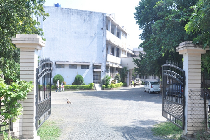 https://cache.careers360.mobi/media/colleges/social-media/media-gallery/23463/2019/1/4/Campus-View of Seth Kesarimal Porwal College Kamptee_Campus-View.JPG