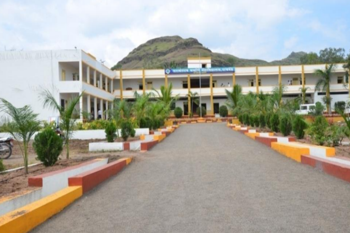 https://cache.careers360.mobi/media/colleges/social-media/media-gallery/23523/2018/11/20/College View of Rayat Shikshan Sansthas Yashwantrao Chavan Mahavidyalaya Pachwad_Campus View.png