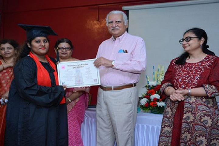 https://cache.careers360.mobi/media/colleges/social-media/media-gallery/23532/2020/3/12/Convocation of Maharshi Dayanand College of Arts Science and Commerce Parel_Others_1.jpg