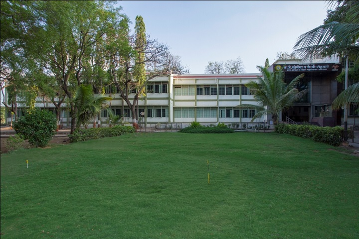 https://cache.careers360.mobi/media/colleges/social-media/media-gallery/23545/2019/1/11/College Building View of KJ Somaiya College of Arts Commerce and Science Kopargaon_Campus-View.jpg