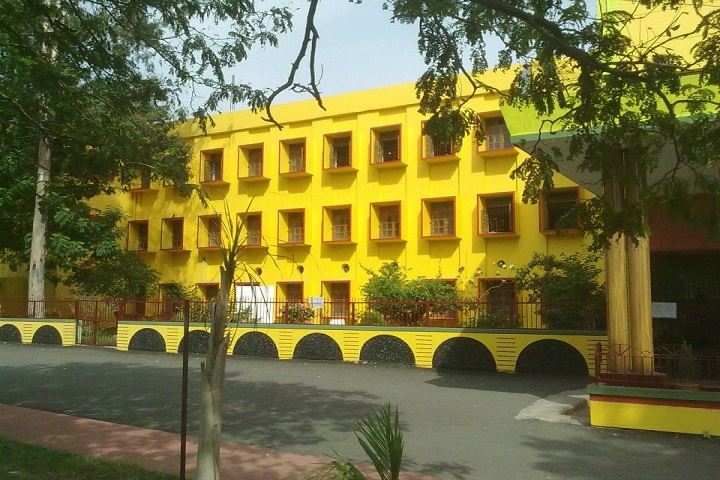 https://cache.careers360.mobi/media/colleges/social-media/media-gallery/23552/2019/1/12/College Building View of Bidhan Chandra College Asansol_Campus-View.jpg