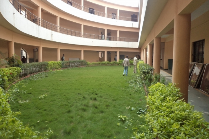 https://cache.careers360.mobi/media/colleges/social-media/media-gallery/23561/2019/1/5/Campus-View of PDEAs Anantrao Pawar College Pirangut_Campus-View.jpg