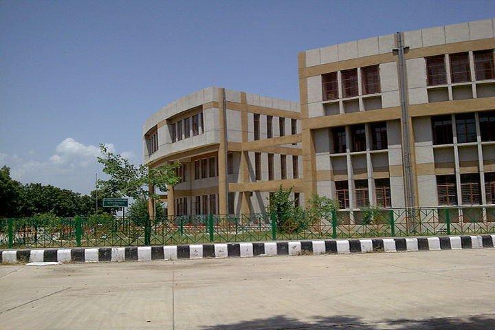 https://cache.careers360.mobi/media/colleges/social-media/media-gallery/2357/2018/8/8/CH-Brahm-Prakash-Government-Engineering-College-Delhi-CAMPUS3.jpg