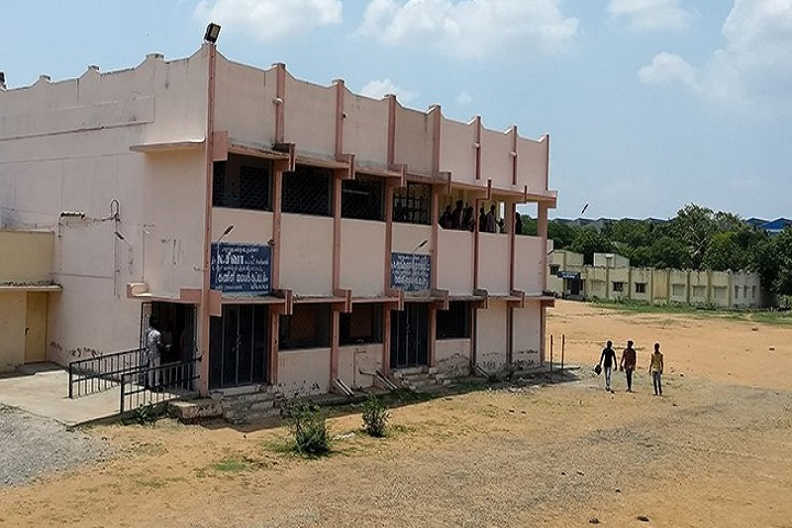 https://cache.careers360.mobi/media/colleges/social-media/media-gallery/23664/2019/7/26/Campus View of Government Arts College Tiruchirappalli_Campus-View.jpg