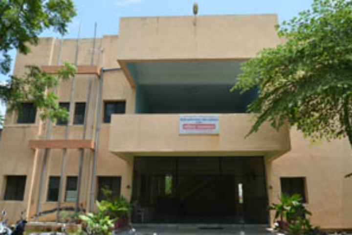 https://cache.careers360.mobi/media/colleges/social-media/media-gallery/23782/2019/1/16/College Building View of Smt Radhadevi Goenka College for Women Akola_Campus-View.jpg