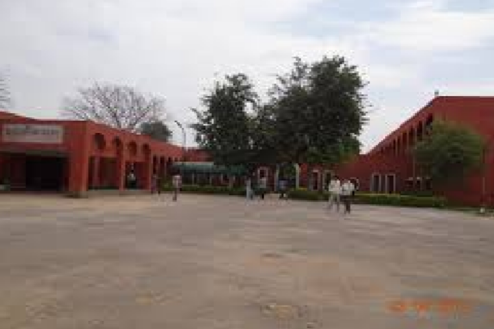 https://cache.careers360.mobi/media/colleges/social-media/media-gallery/23789/2018/11/23/Campus View of Firoz Gandhi Memorial Government College Adampur_Campus-View.png