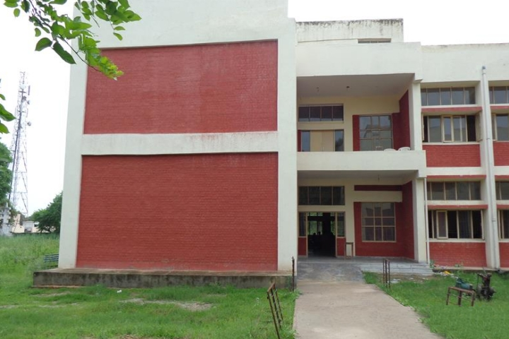 https://cache.careers360.mobi/media/colleges/social-media/media-gallery/23793/2019/1/17/College Building View of Government College Sidhrawali_Campus-View.jpg