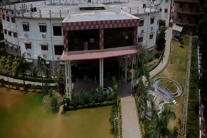 https://cache.careers360.mobi/media/colleges/social-media/media-gallery/2386/2018/10/6/Campus of Dev Bhoomi Group of Institutions_Campus-View.jpg