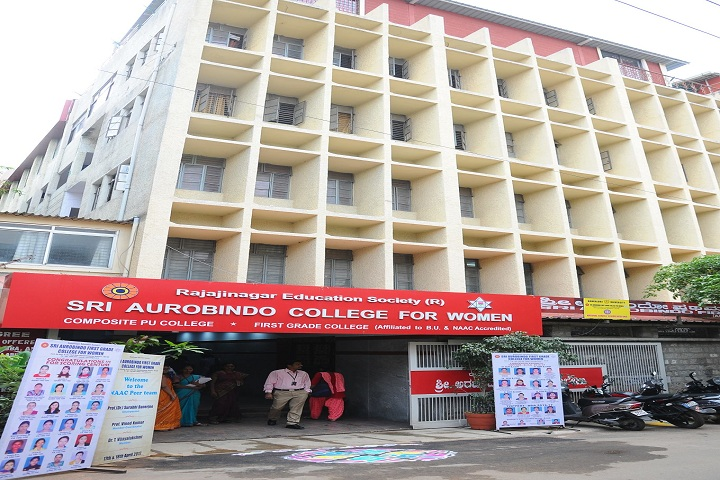https://cache.careers360.mobi/media/colleges/social-media/media-gallery/23904/2019/1/5/Front view of Sri Aurobindo First Grade College for Women Bengaluru_Campus-view.jpg