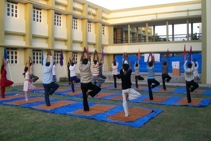 https://cache.careers360.mobi/media/colleges/social-media/media-gallery/23918/2018/11/22/Yoga Classes of CN Arts and BD Commerce College Kadi_Others.JPG
