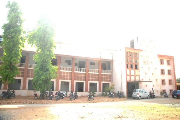 https://cache.careers360.mobi/media/colleges/social-media/media-gallery/23936/2018/12/26/Campus View of Government Model Science College Rewa_Campus-view.jpg