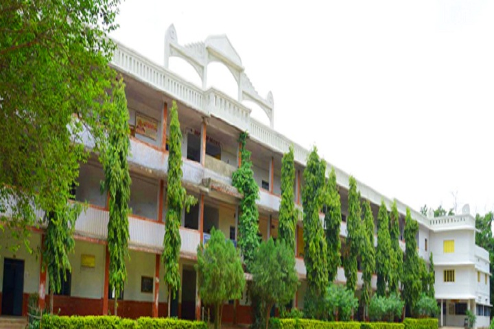 https://cache.careers360.mobi/media/colleges/social-media/media-gallery/24002/2020/6/19/Campus-View of Shree Shivaji Arts Commerce and Science College Chandrapur_Campus-View.jpg