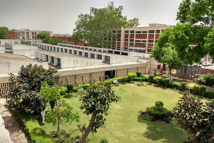 https://cache.careers360.mobi/media/colleges/social-media/media-gallery/24126/2019/11/26/Campus View of Government Polytechnic Jhajjar_Campus-View.png