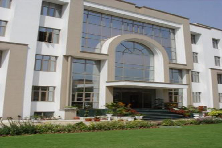 https://cache.careers360.mobi/media/colleges/social-media/media-gallery/2425/2018/10/5/Campus View of Institute of Information Technology and Management Delhi_Campus-View.jpg