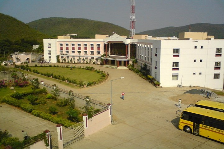 https://cache.careers360.mobi/media/colleges/social-media/media-gallery/2429/2018/10/23/Campus View of Synergy Institute of Engineering Technology Dhenkanal_Campus-View.jpg