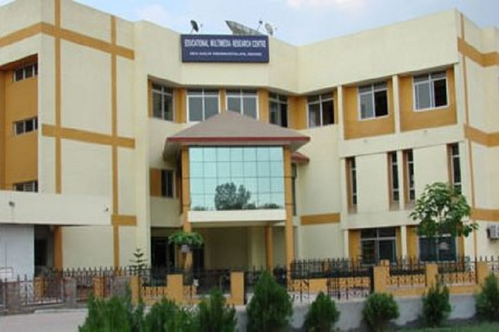 https://cache.careers360.mobi/media/colleges/social-media/media-gallery/2433/2019/1/7/College Building of Educational Multimedia Research Centre DAVV Indore_Campus-View.jpg
