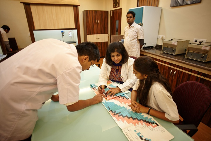 https://cache.careers360.mobi/media/colleges/social-media/media-gallery/2436/2019/3/25/Nuclear Radiochemistry Laboratory of KC College of Arts, Commerce and Science Mumbai_Laboratory.jpg