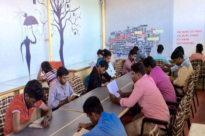 https://cache.careers360.mobi/media/colleges/social-media/media-gallery/24403/2019/1/25/Students Reading room of Palme Deor Film and Media College Tambaram_others.jpg