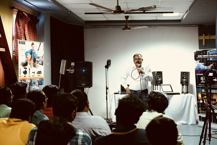 https://cache.careers360.mobi/media/colleges/social-media/media-gallery/24617/2019/1/25/Workshop of Bridge Academy College of Media and Fine Arts Chennai_Others.jpg