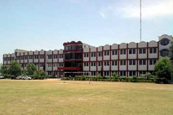 https://cache.careers360.mobi/media/colleges/social-media/media-gallery/2468/2018/11/2/Campus view of College of Engineering and Management Kapurthala_Campus-View.jpg