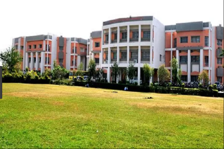 https://cache.careers360.mobi/media/colleges/social-media/media-gallery/2470/2018/10/31/Campus View of Patel College of Science and Technology Indore_Campus-View.JPG