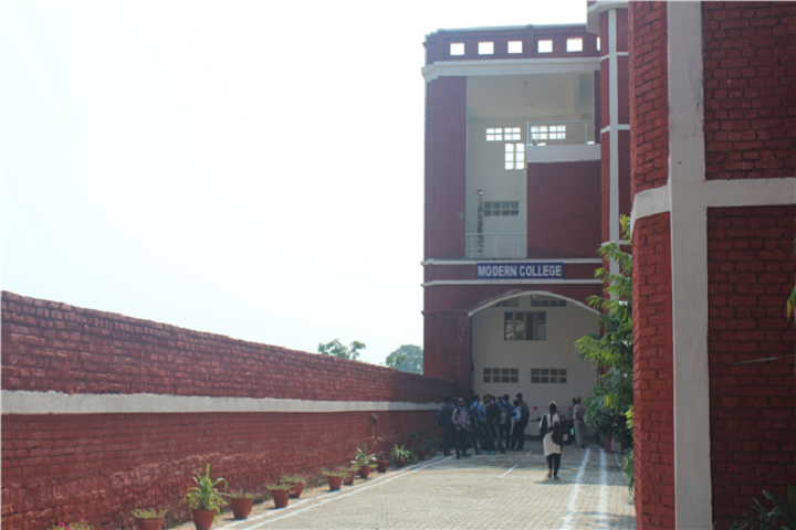 https://cache.careers360.mobi/media/colleges/social-media/media-gallery/24726/2020/3/13/Campus View of Modern College Jhansi_Campus-View.png