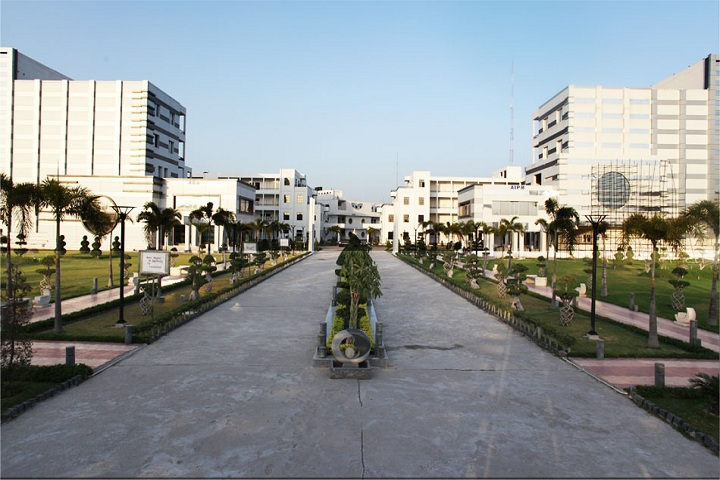 https://cache.careers360.mobi/media/colleges/social-media/media-gallery/24738/2019/1/23/Campus View of Axis Institute of Higher Education Kanpur_Campus-View.jpg