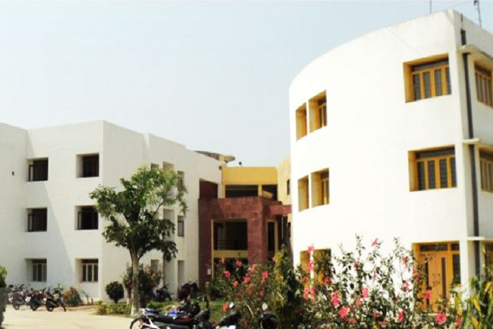 https://cache.careers360.mobi/media/colleges/social-media/media-gallery/24916/2019/1/23/Campus view of Smt Satyawati Devi Institute of Education and Technology  Ambedkar_Campus-view.jpg