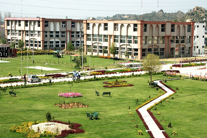 https://cache.careers360.mobi/media/colleges/social-media/media-gallery/2493/2019/3/25/Campus view of Rayat Institute of Engineering and Information Technology Ropar Campus Ropar_Campus-view.jpg