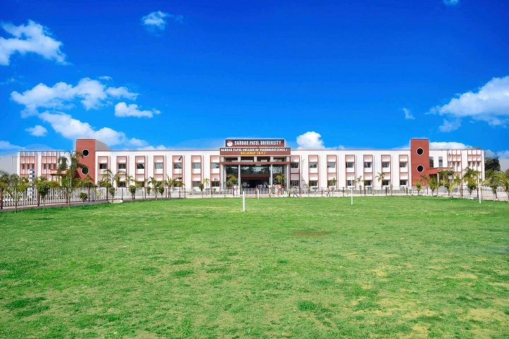https://cache.careers360.mobi/media/colleges/social-media/media-gallery/25062/2019/7/18/Campus view of Sardar Patel University Balaghat_Campus-view.jpg